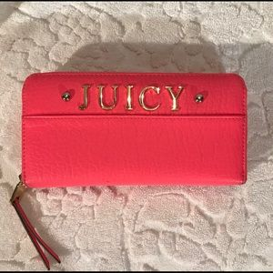 Juicy Couture Leather Zippered Clutch Wallet